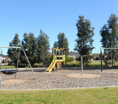 Yellow Gum Drive Play Space 2991